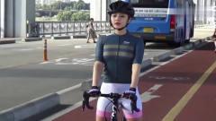 健身-国外美女骑车旅游