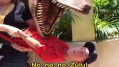 侏罗纪公园恐龙爆笑体验 外国人神反应 小孩反应