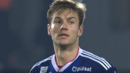 法甲:里昂球员安德森一脚远射攻破球门,缺少了2人的尼姆很无奈
