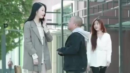 时尚街拍:男人在爱情面前千万不能太卑微