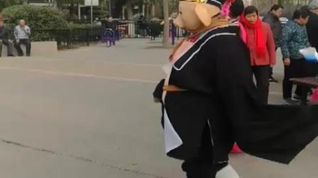 马濠公园 胶州秧歌舞 幽默诙谐展示八戒曲折追求
