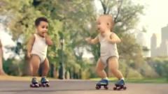 依云创意广告旱冰宝宝, 这么可爱很犯规的!
