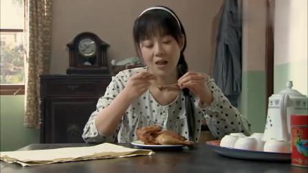 美女怀孕后食欲大增,一个人吃掉整只烧鸡,吃