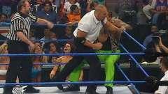WWE史上最豪华啦啦队,7个顶级美女为土豪加油,