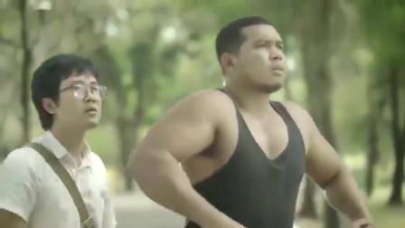 泰国创意广告,如果当你的相机变成彪形大汉!
