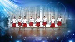 老师们穿着红色裙子,一起跳舞,展现了不一样