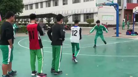 中学生体育课就应该这样!全都是未来的篮球之