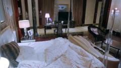美女拍自拍帮助弟弟入眠,转头想起拿的是总裁