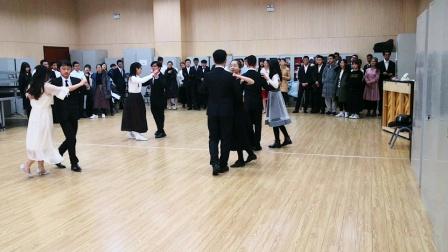 体育舞蹈 周一上午第三节 鲁国强