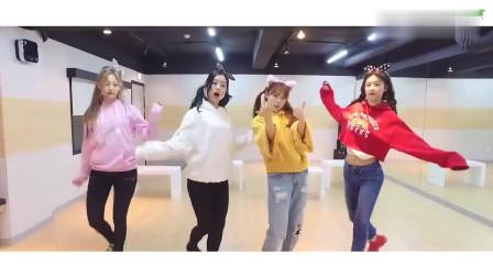 可爱韩国美女的舞蹈排练视频,这舞蹈音乐太甜