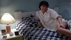 开心鬼:男子和女鬼共处一室,女朋友来查房,