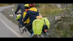 川藏线上的风景:父子三人和一辆加长自行车的