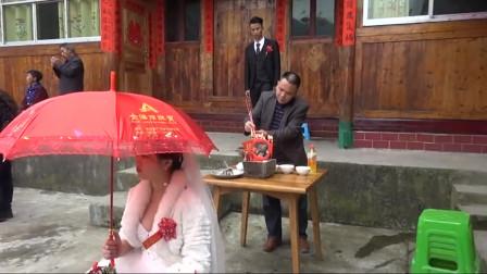 贵州农村传统风俗结婚《退喜神》大伙都在看新娘是怎样进门的