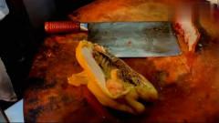 香港标配美食饭,一盘烧腊加一根青菜一勺卤汁