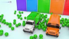 益智工程车:工程车卡通动画彩蛋给警车和清扫