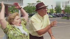 国外爆笑街头恶搞:再不减肥就要胖的飞起来了