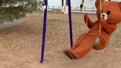 网红熊的日常糗事,跑到公园去做运动,没想到