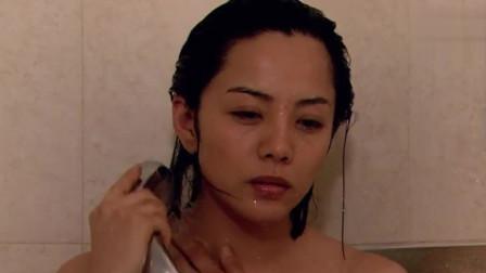 美女放弃丁克,主动提出要个孩子,洗完澡后又