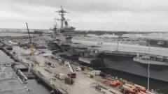 美国海军展示10万吨级航母靠港过程,你知道这是