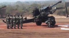 印度陆军炮兵军事演习,动作滑稽搞笑,是想把