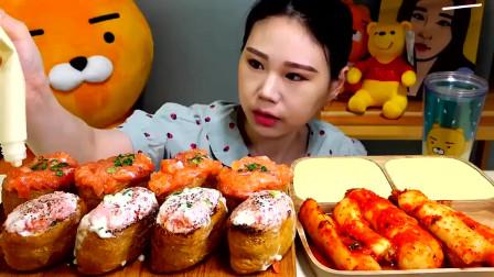美食吃播韩国大胃王,美女试吃生鱼面包,一口