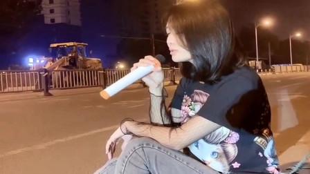 美女翻唱《多年以后》,歌声堪比专业歌手,晚