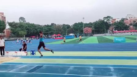 体育队的跳高选手,临时被拉来跳远,不料成绩还挺好
