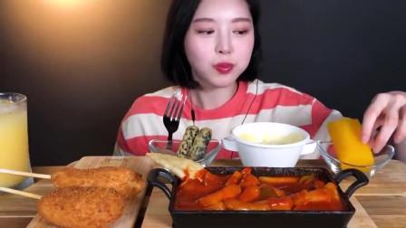 韩国美女吃播,真能吃,带上我啊