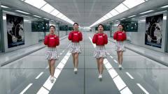 美美的短裙美女不是《桥边姑娘》但她在地铁站