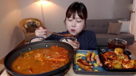 韩国美女吃播,吃一桌子的美食,看着有食欲