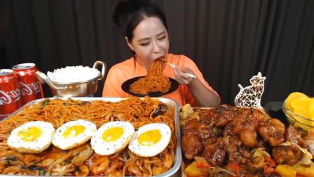 韩国大胃王美女:10份拉面+红烧肉,直接秒吞半