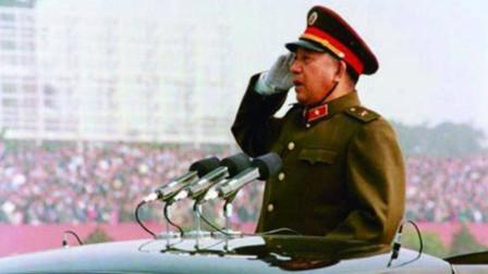 他是建国35周年大阅兵总指挥 37岁便浴血上甘岭 带出一王牌军