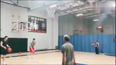 翟晓川晒训练视频,郭艾伦评论:中国篮球运球最好的人!