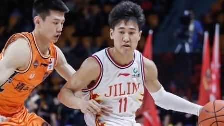 C*A星锐赛-姜伟泽14分5板荣膺MVP,星锐队83-75大学南北联队