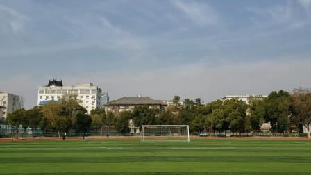安徽省体育中心暨省体育局,俗称省体育场和省体委,一块地方。