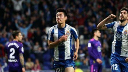 中国足球太需要这么一个英雄了,武球王加油!