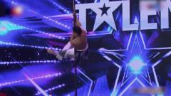 中国达人秀:钢管舞运动员太牛了!一招一式彰