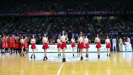 感受一下C*A赛场上啦啦队美女的舞姿,真是太美了