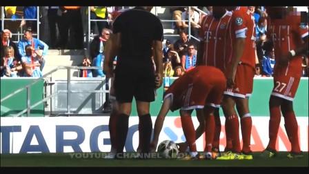 舍不得眨眼的足球爆笑合集, 3人面对空门不进让教练崩溃