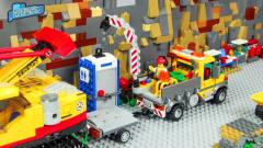 玩具动画:大型加油站修建场,工作人员正在建