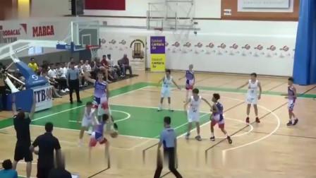 """欧洲12岁少年身高2米12,曾经获得美国篮球名校的约请,将来会是篮球界的""""大杀器""""么?"""
