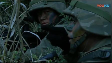《士兵突击》袁朗还有这糗事,跟宝强坦白惹得