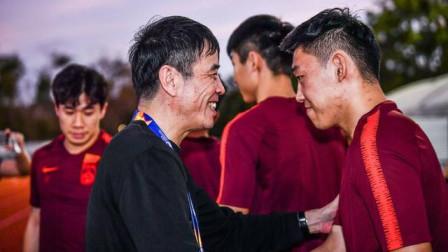 陈戌源鼓励国奥球员:别灰心,你们是中国足球冲击世界杯的希望