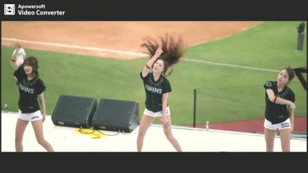 棒球场美女啦啦队,小姐姐的这舞姿这身材真的