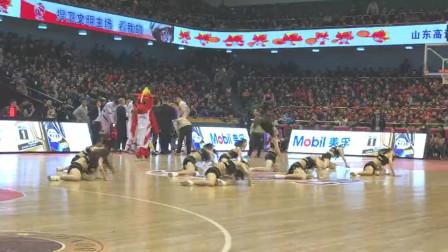 现场直击C*A赛场啦啦队表演,这支舞有没有N*A水准?
