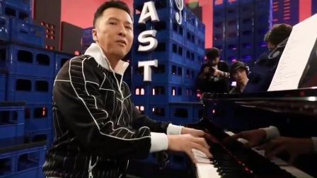 甄子丹大秀音乐才华,弹钢琴庆祝《叶问4》总票