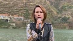 农村美女翻唱祁隆的《醉相思》,唱的很好听,