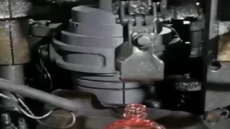 牛人发明:原来茅台酒瓶是这么生产的,我还是一次见,看完长见识了