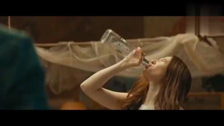 美女喝完酒现原形,好大一只啊!