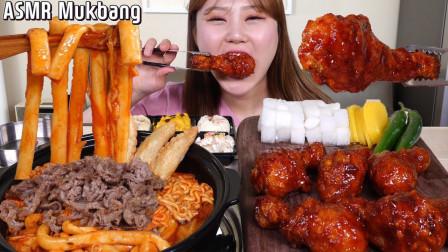 """韩国美女吃播:辣炒年糕+拉面,一口秒吞3个""""爆"""